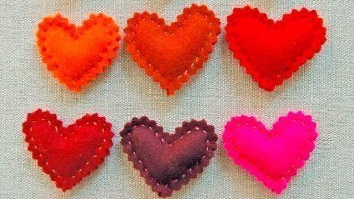 Сердечки-брошки
