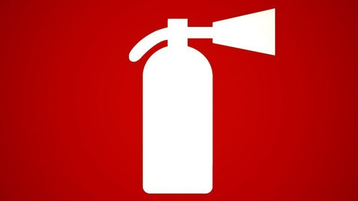 Как действовать при пожаре, чтобы спасти себя и близких