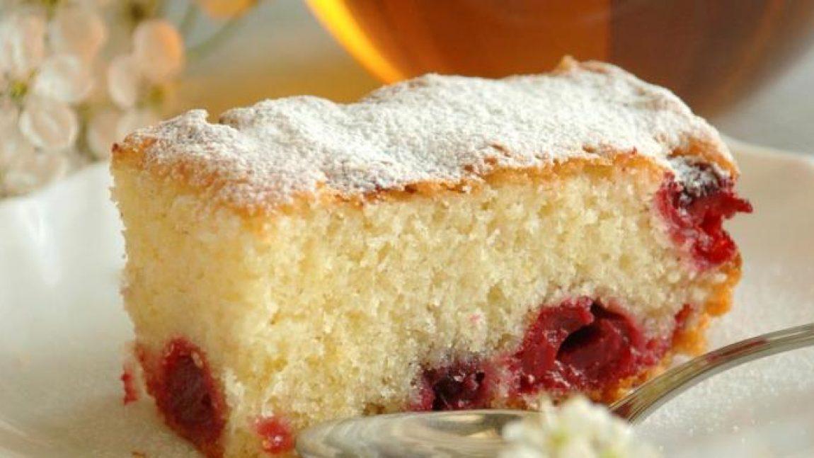 Вишнёвый пирог для семейных посиделок