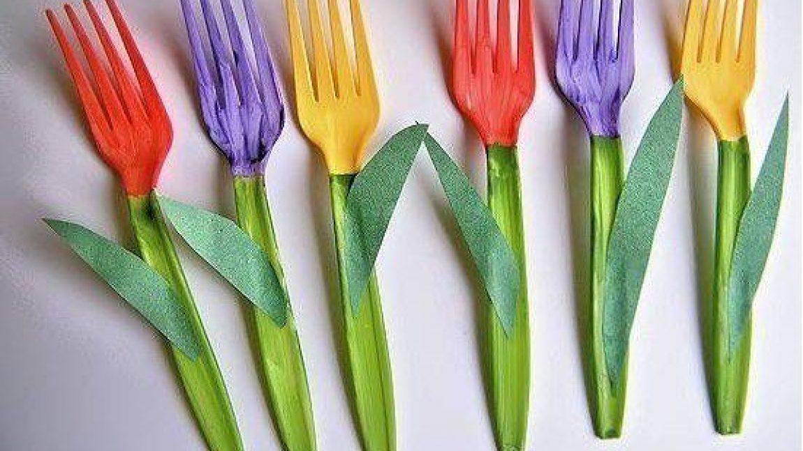 Тюльпан из пластиковой вилки