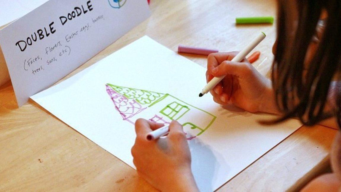 Рисуем двумя руками