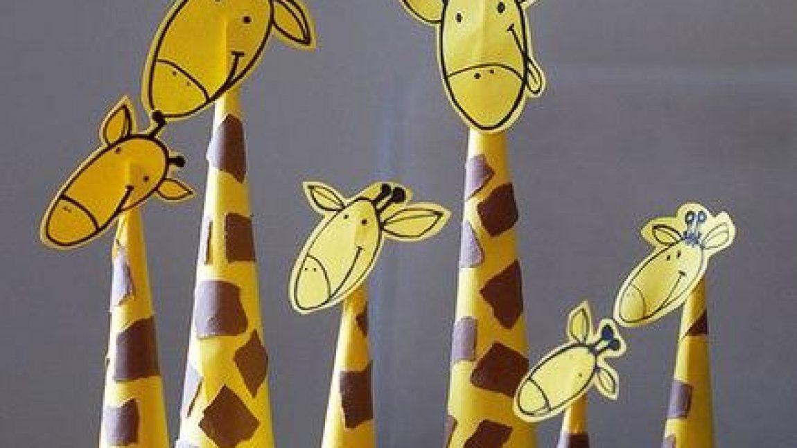 Милые жирафы из цветной бумаги