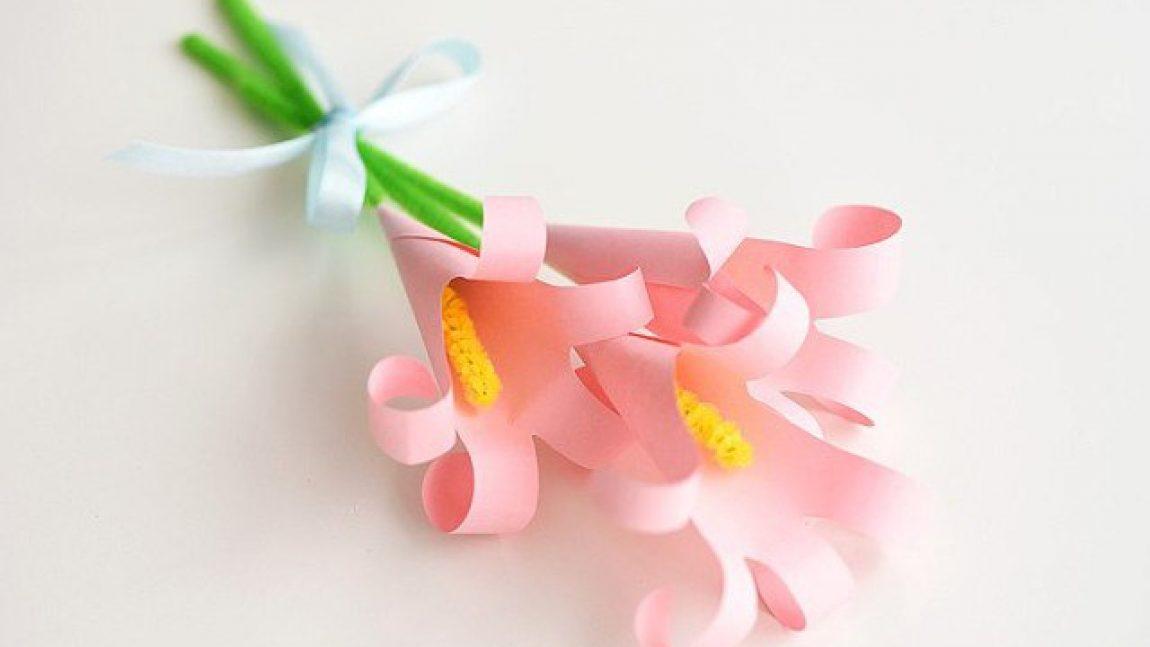 Лилии из бумажных ладошек