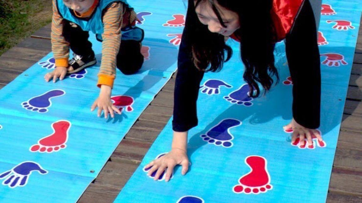 Мастерим коврик для подвижной и весёлой игры